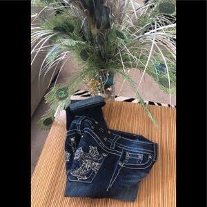 MISS ME Women's Signature Cuffed Capri Dark Jeans